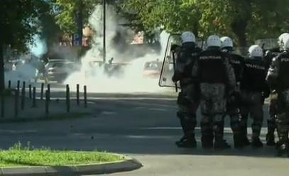 Chaos bij de Gay Pride in Montenegro. Foto: screenshot uit reportage van BBC.