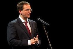 De Russische minister van cultuur Vladimir Medinsky, tijdens zijn toespraak in Carré. Foto: culture.ru.