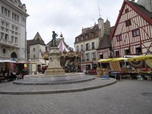 RG 04 Het plein met de fontein