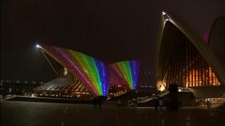 Opera House Sidney in regenboogkleuren