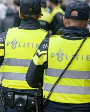 politie-op-de-rug-gezien.jpg