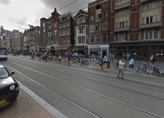 damrak-amsterdam.png